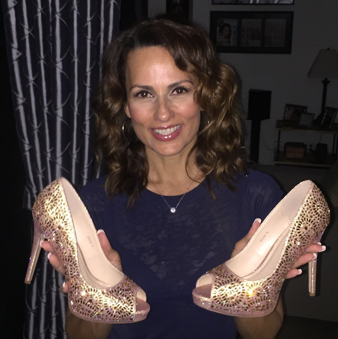 141d58e8c993 Loving my new sparkley @AlegriaNation #Heels Can't wait to wear them!!!  #ImSoFancy #RoseGold #Sparkles #Sexypic.twitter.com/9EWHnlofkm
