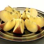 青森の小ぶりなりんご蜜いっぱいで透きとおるよう。 pic.twitter.com/jA1DdtjBL…