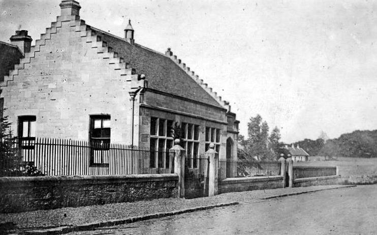 Good night to all with an old Tour #Scotland Ancestry Travel visit Genealogy Scottish History Blog photo and story of the Isabel Patrick Memorial Hall in #Gateside, #Ayrshire. The surname #Patrick is common in #Ireland due to #Scottish emigration  http:// goo.gl/sCC6wJ  &nbsp;  <br>http://pic.twitter.com/unIJ3FNIzb