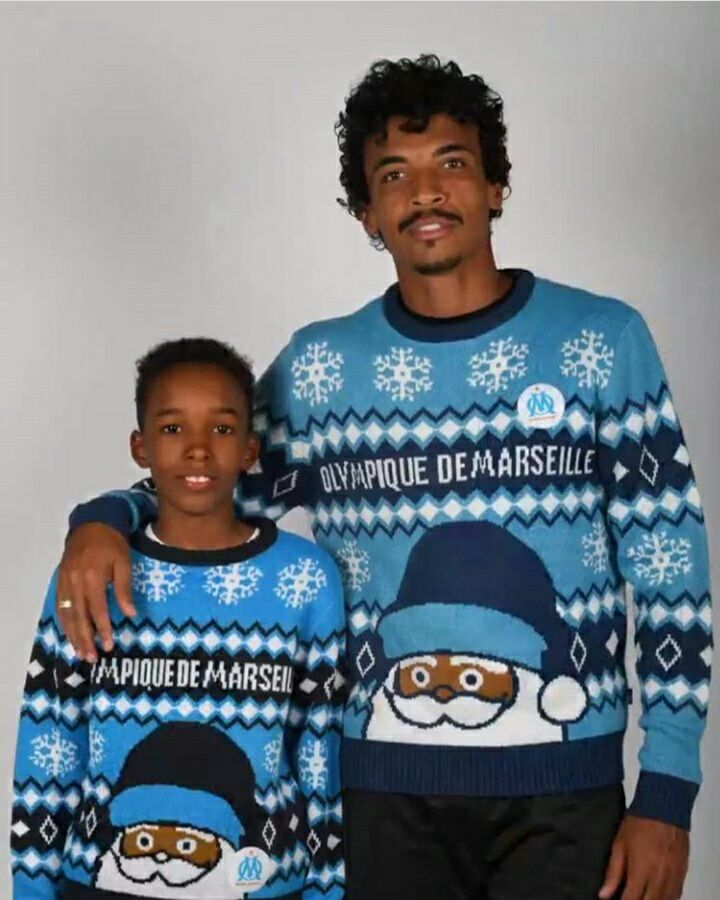 i wish you a merry christmas  #OM #TeamOM #TeamPSG @azedstories @SuperCazarre @MA2TBE2L @Moscato_Show #rmclive #BourdinDirect <br>http://pic.twitter.com/VgR6jxIWUA