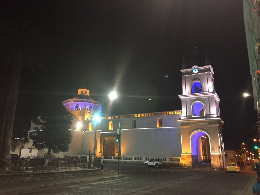RT @elepcosa: ELEPCO S.A. contribuyendo al ornato de la bella ciudad de Latacunga. #ElepcoSiemprePensandoEnTí https://t.co/LHrAGQIm2C