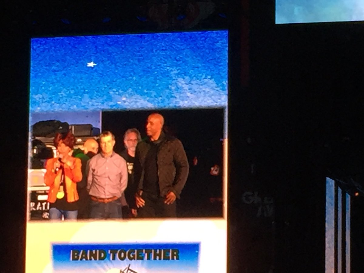 #BarryBonds on stage NOW for #bandtogether<br>http://pic.twitter.com/57nc8l0SNJ
