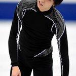 t.asahi.com/o1ic#フィギュア #NHK杯、前日練習で転倒し右足を負傷した #羽生結弦…