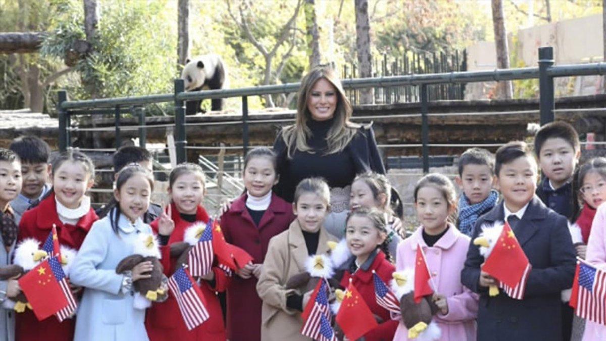 6a429b15e #US First Lady Melania Trump visits #Beijing Zoo #TrumpInChina  https://t.co/ppv0A4Td6j