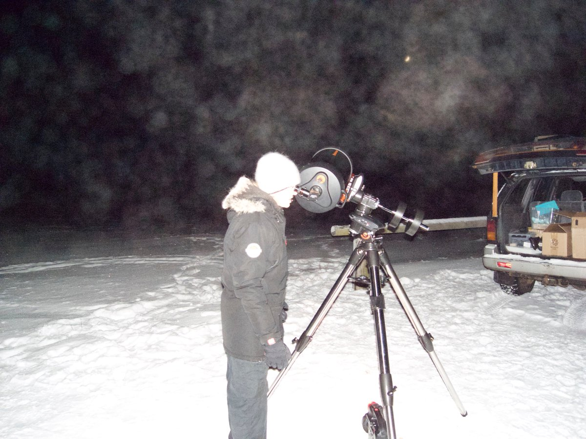 Back in the day when we were still wet behind the ears https://t.co/I8gNsifCdU #FlashbackFriday #Stargazing #Telescope #NorthernLightsTour https://t.co/5pYotFtxiE