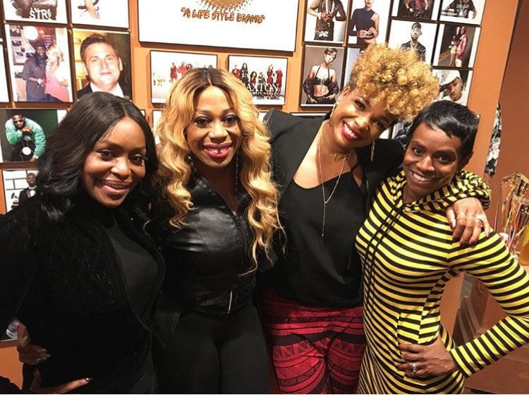 Last night at my Listening Session for Rebirth of Soul....with my sisters from @sistercircletv Rebirth of Soul is out TODAY! @tvonetv ❤️@ShanachieEnt