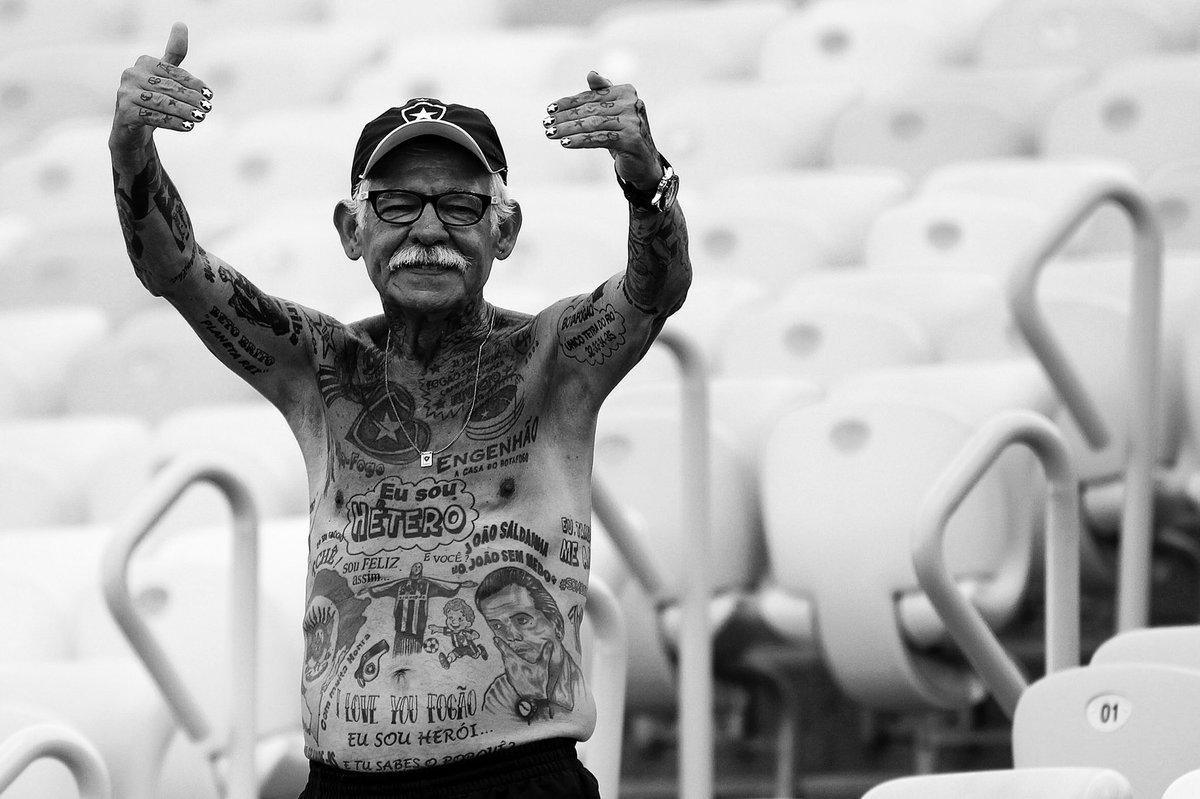 Com enorme tristeza, o Botafogo lamenta o falecimento de Seu Delneri, botafoguense ilustre, figura marcante em todos os jogos e símbolo de paixão pelo Glorioso. Uma estrela que vai brilhar eternamente. Fique em paz! 🙏🏻⭐️