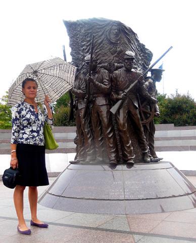"On November 28, Renée Ater, ""Contemporary Monuments to the Slave Past"" #amrel #Charlottesville #materialreligion  https:// mavcor.yale.edu/ren-e-ater-con temporary-monuments-slave-past  …  Join us!pic.twitter.com/8EvD1cWmHi"