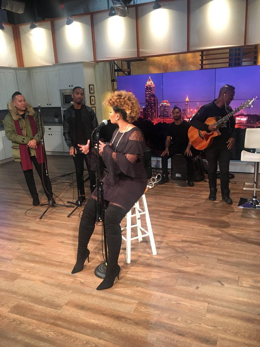 Sound check for my performance this morning! Tune in LIVE at 9 am est on @sistercircletv ❤️❤️❤️ @tvonetv My album is out today! #RebirthOfSoul