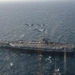 海上自衛隊及び航空自衛隊は、西太平洋において3隻の米空母が実施する演習に参加しており、海自からは護衛…
