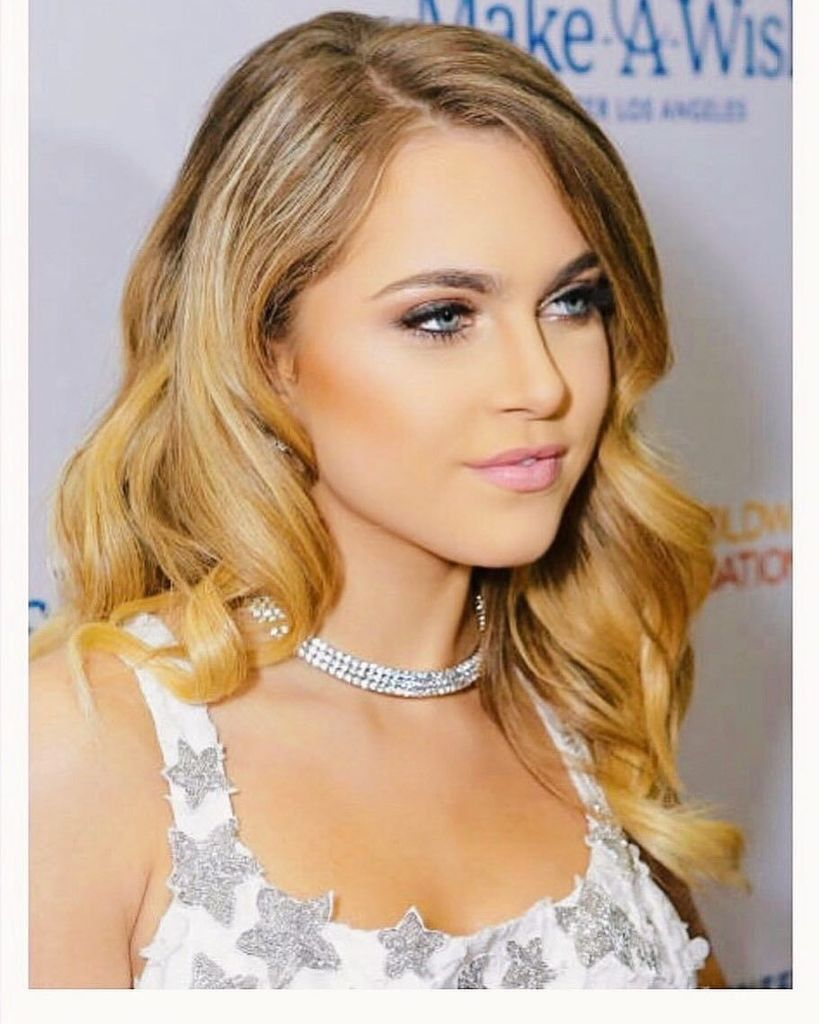 Anne Winters Nude Photos 16