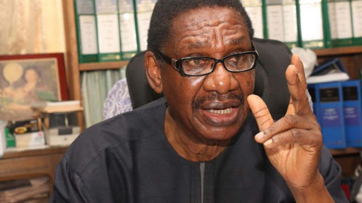 FG will partly fund the proposed N8.6tr 2018 budget with N500 billion recovered through its anti-corruption efforts, Prof. Itse Sagay, has said.