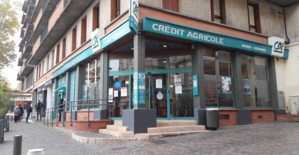 RT @AlozyPatrice82 L'agence historique du #CreditAgricole fermera la semaine prochaine, à priori à cause des incivilités du quartier, la BPTP au début de l'année prochaine. Tout va bien ! #Montauban #TarnetGaronne #occitanie pic.twitter.com/iyzIjboXxh