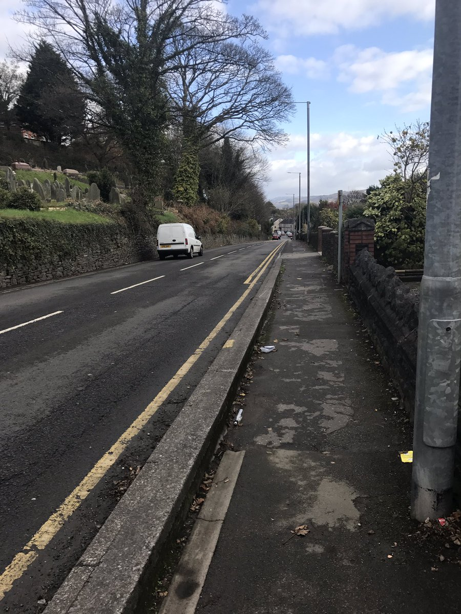 PCSO Jones has foot patrolled numerous locations in Neath during today&#39;s shift #aj #visiblepatrols<br>http://pic.twitter.com/kqFX7FMRz4