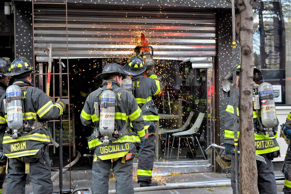 Fdny Members On Scene Of A 3 Alarm Fire 1598 3rd Ave Mn The Fire Has Been Placed Under Control Currently There Are 4 Non Life Threatening Injuries To