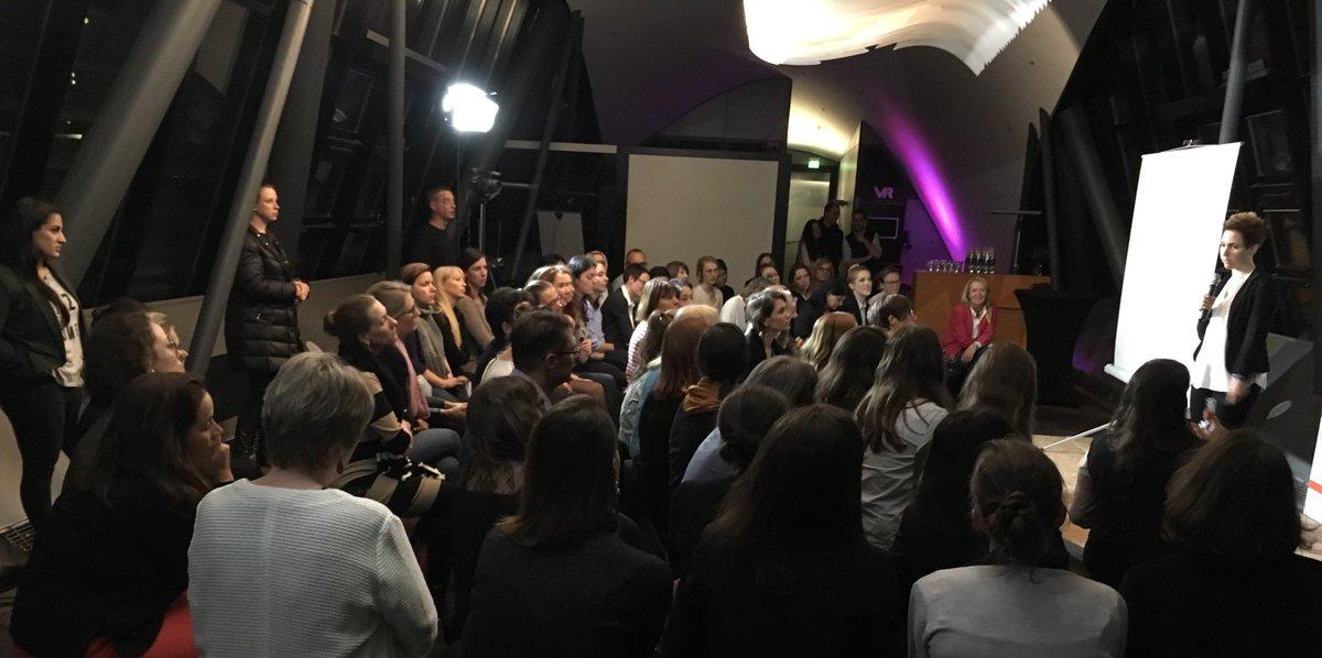 Q&A @thebihn 1. Talk #tedxwomen #frankfurt - gerne und er Pause weitere Brücken bauen und fragen stellen!