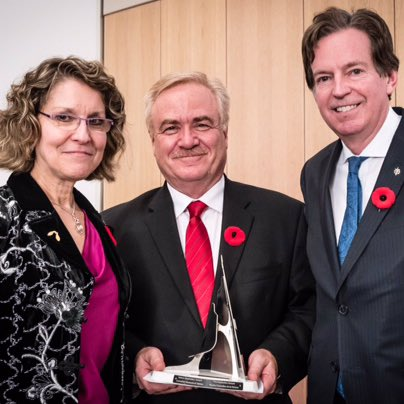 Thank you @MuseumofNature! We're honoured to be one of year's Nature Inspiration Award winners #ROMBlueWhale  http:// nature.ca/en/about-us/mu seum-corporation/nature-inspiration-awards/2017-award-winners &nbsp; … <br>http://pic.twitter.com/QJKE88kRw6