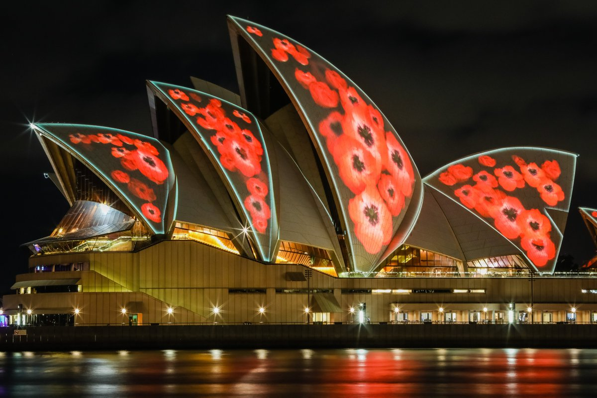 Tonight, our sails will light up from 8pm with poppies for #RemembranceDay. We will remember them. ???? Salty Dingo https://t.co/HSFl7gSya1