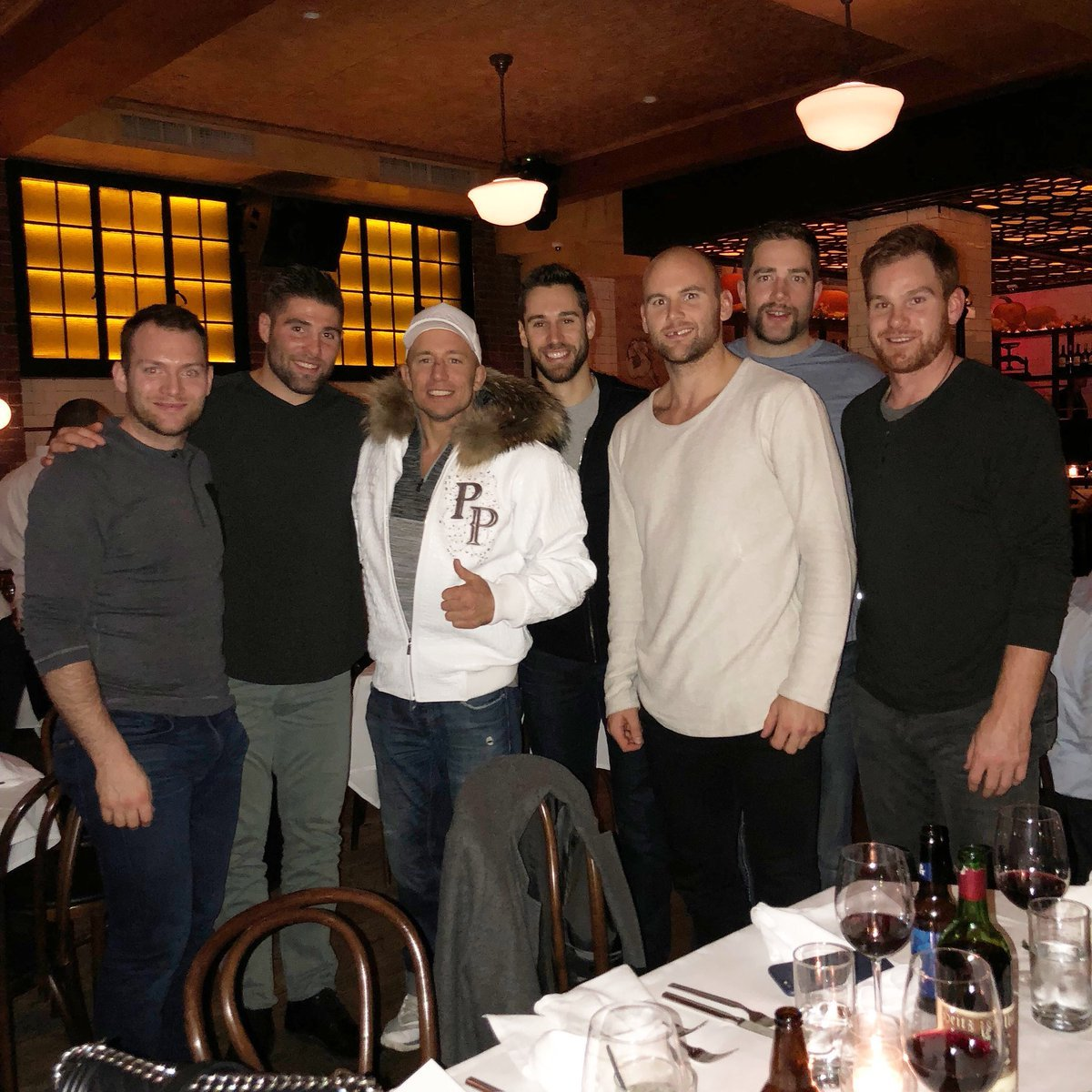 @pqmiramichi did you see the photo of the Oilers out with GSP ? Wait who is that on the end ?#MALONE <br>http://pic.twitter.com/70toZRS6kl