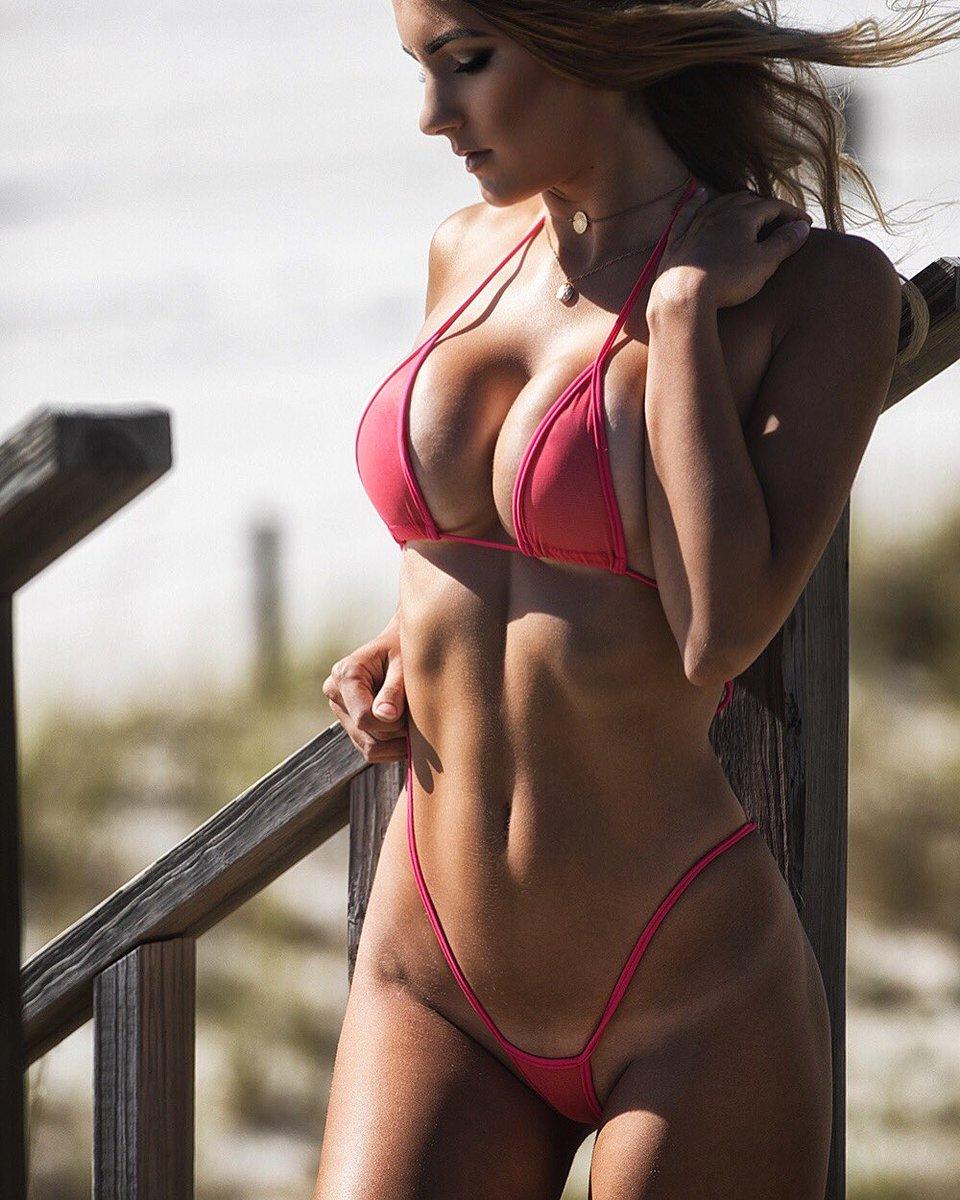 bikinis naked sexy women
