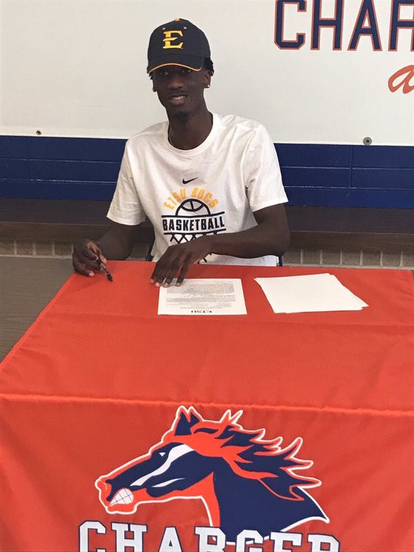 📃🖊📩✅✅ Congrats to D'Andre Bernard who has officialy signed his NLI to East Tennessee State University!! #D1Kings