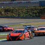 #supergt 何かと話題のSUPER GTとDTMのコラボデモラン!なかなか歴史的な瞬間ですね〜…