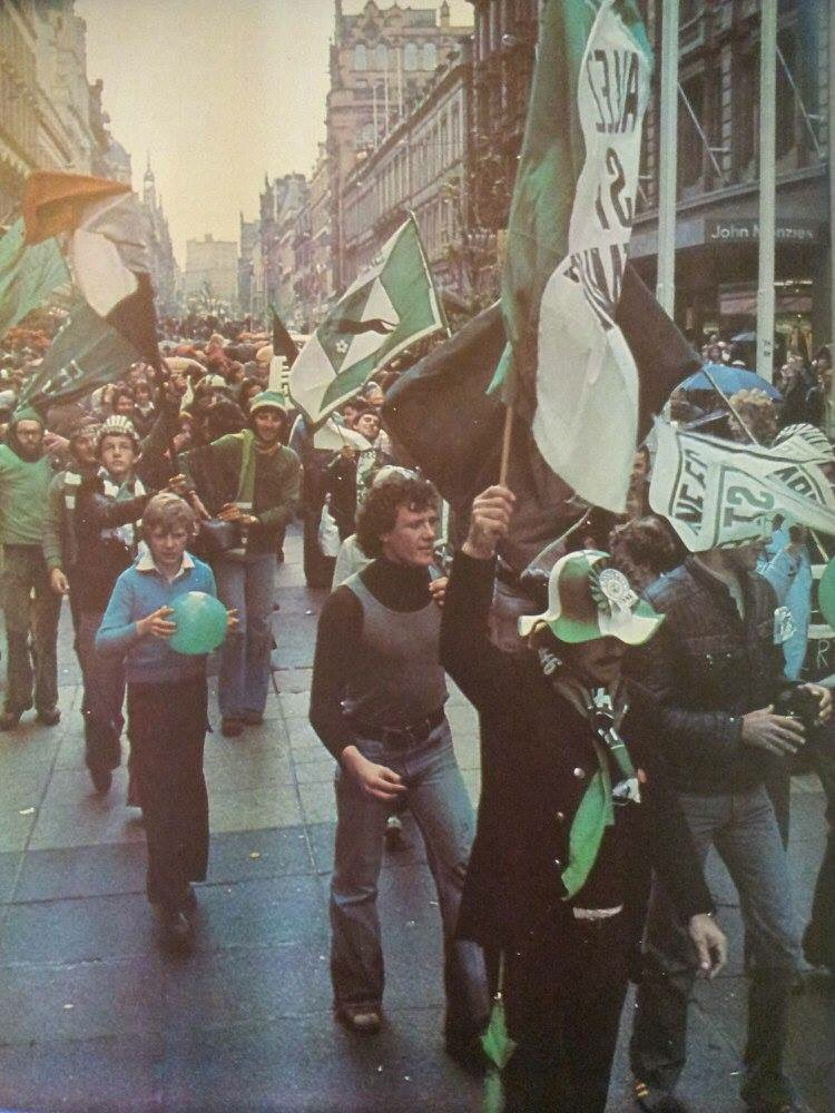 Fans of #SaintÉtienne in the streets of Glasgow before the European Cup final 1975/76.  #ASSE<br>http://pic.twitter.com/3BD0WFrR83