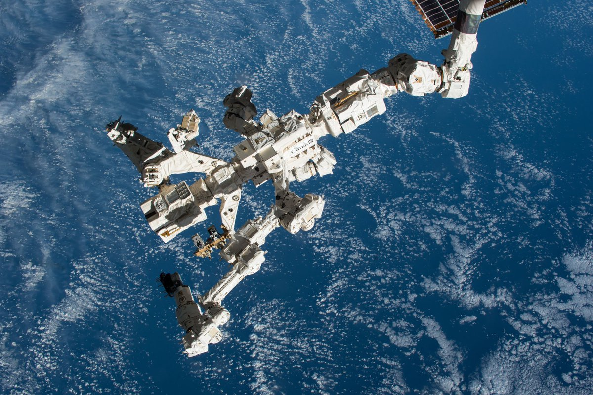canadarm 2011-11-14 - including its launch in 1981, catching and releasing satellites, supporting spacewalkers and the first canadian robotic handshake in space, th.