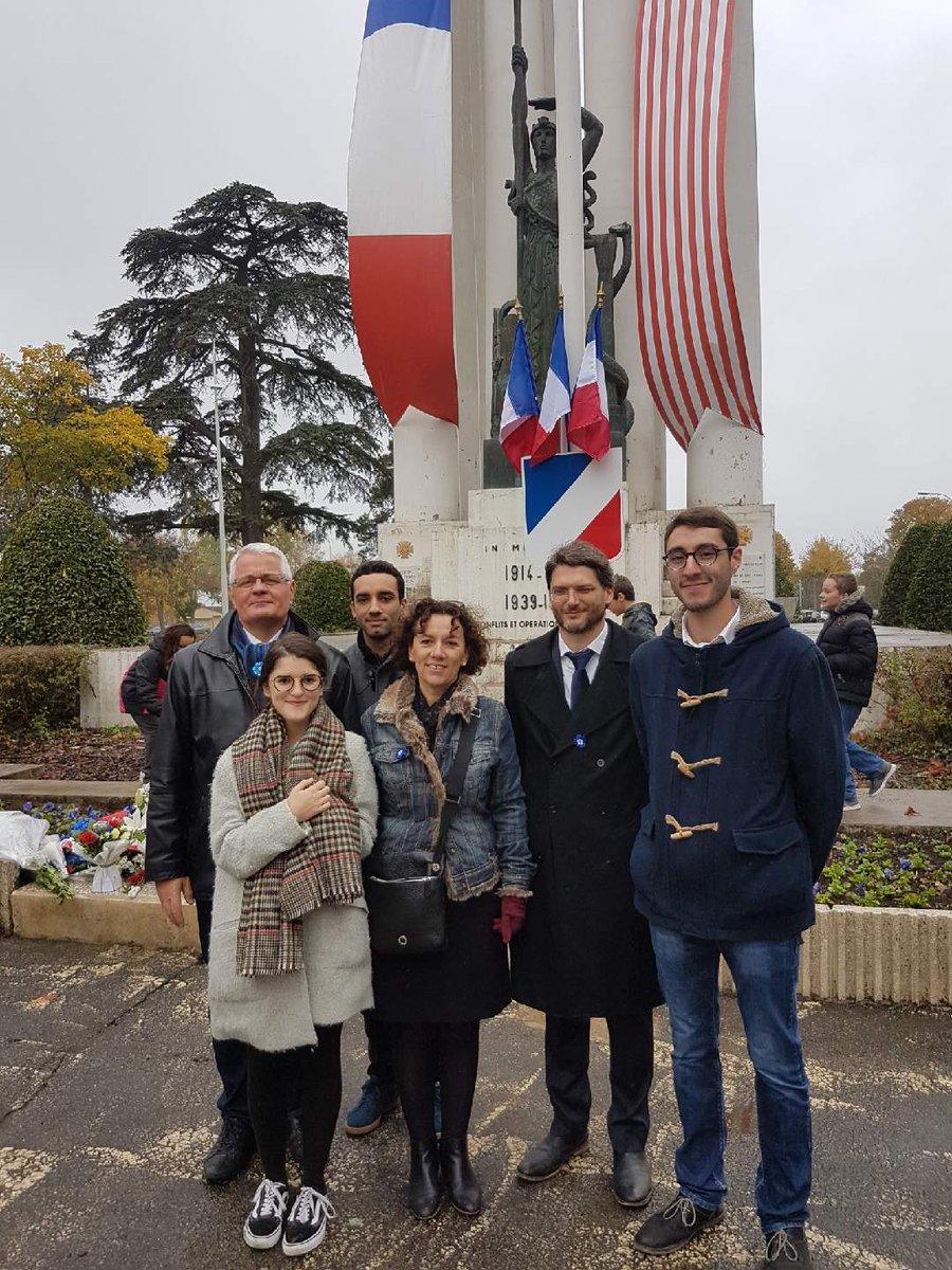 Nous étions ce matin à la commémoration de l'Armistice à  #Montauban. Ne jamais oublier. #11novembre #Armistice2017  pic.twitter.com/BUX1hsk6Uk