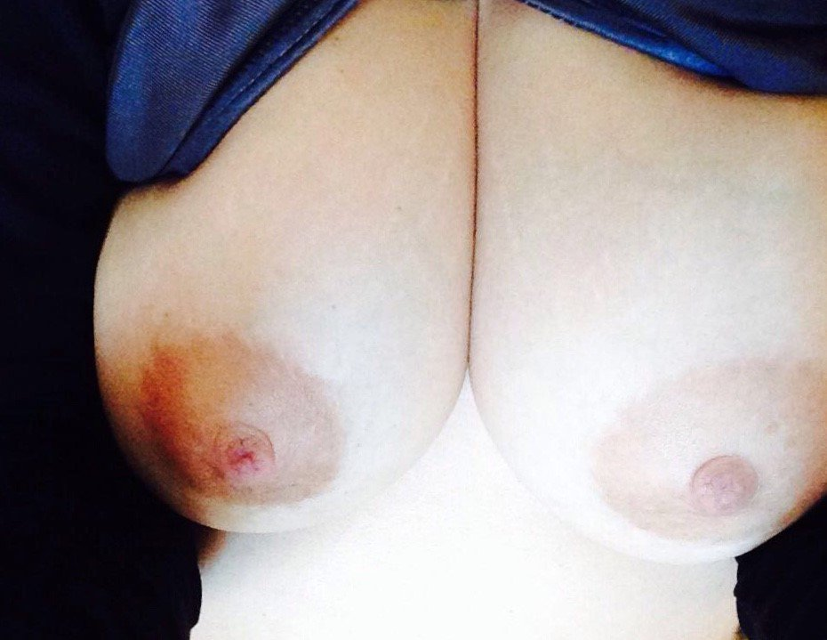 Nude Selfie 11395