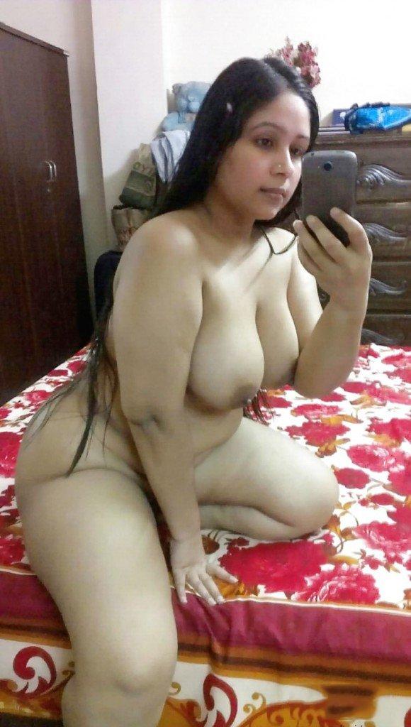 Nude Selfie 11401