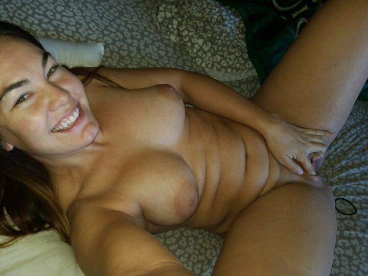 Nude Selfie 11408