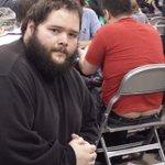 ゲーム会場でオタクの半ケツばかりを撮影する謎の男buzzfeed.com/jp/keijiroabe…