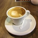 Last macchiato of the trip. Jen and I am looking forward to a nice #cupoftea when we get home #daveknowles #mrdthe… https://t.co/hyUDXo4Ldh
