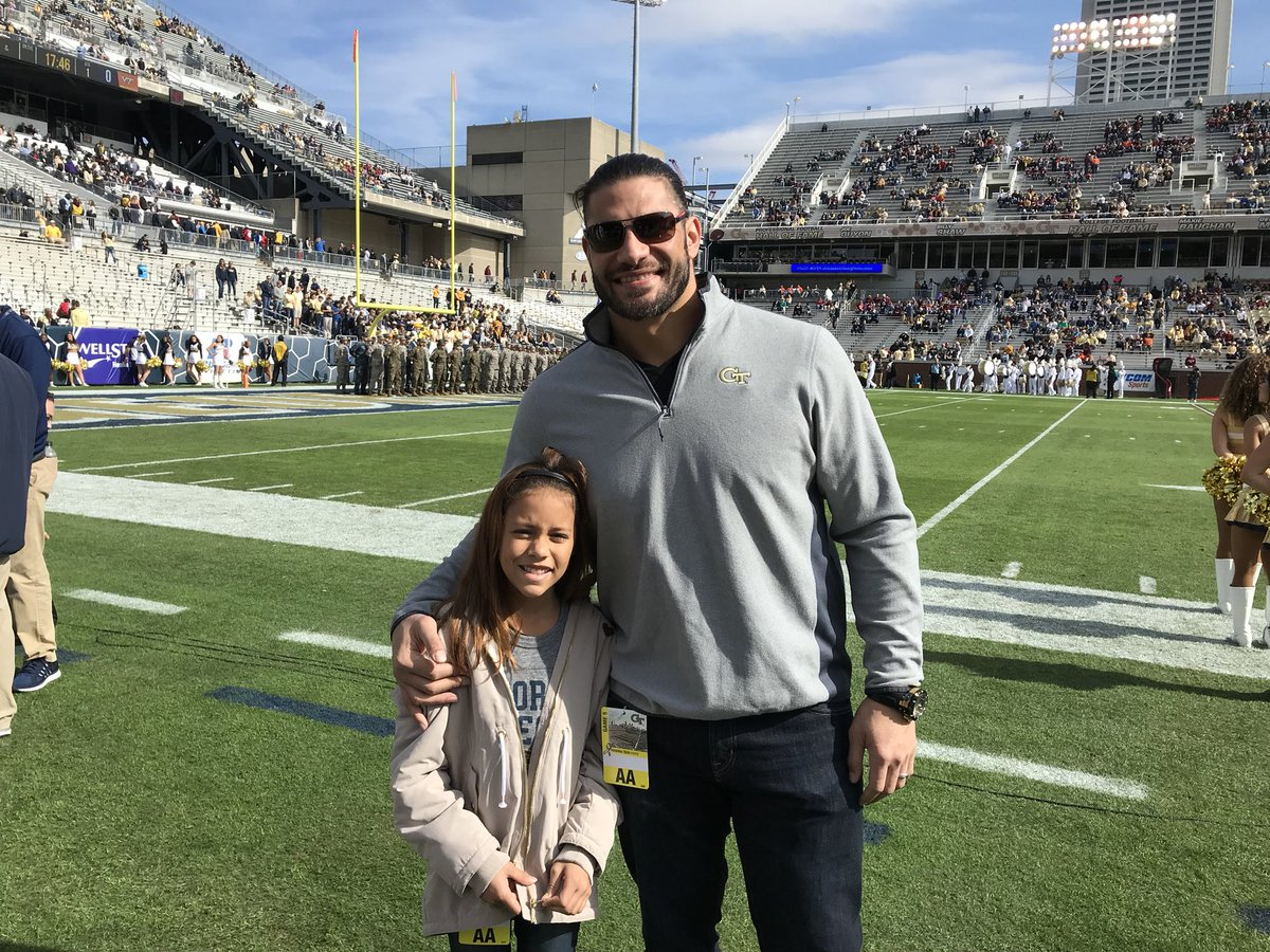 Great to have @WWERomanReigns back today! 🤙#TogetherWeSwarm
