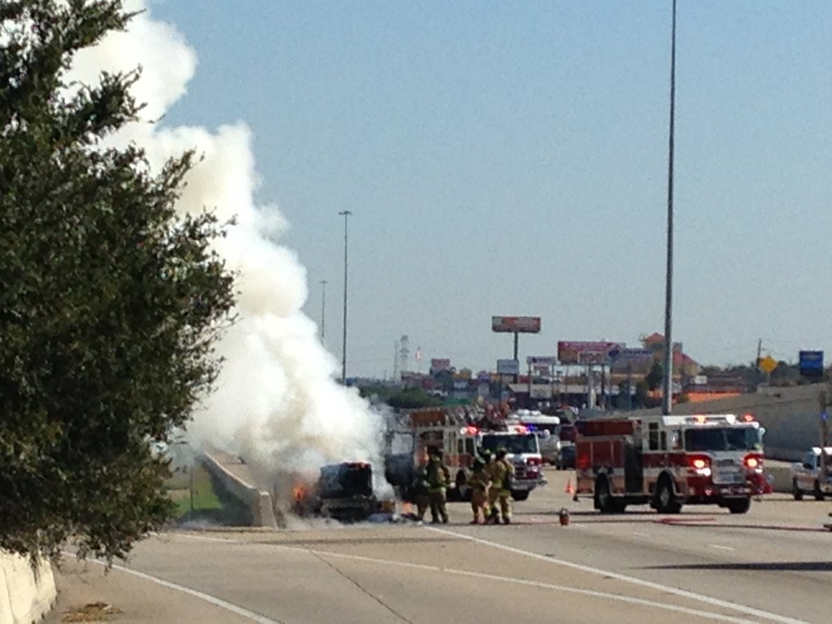 TRAFFIC ALERT: Truck fire shuts down all westbound lanes of Katy Fwy at SH-99 Grand Parkway https://t.co/6EDTctmjIH