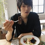 食べる? pic.twitter.com/vDirAGzJdj