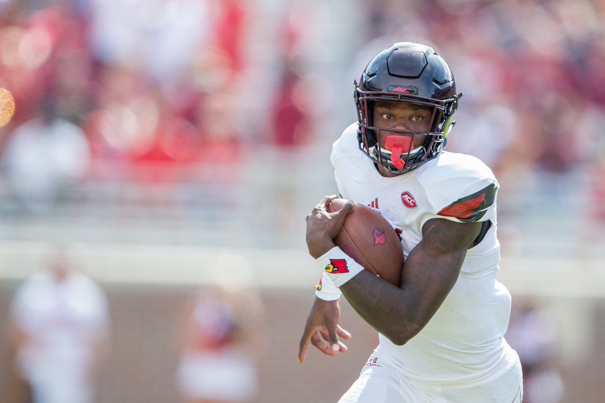 Lamar Jackson becomes the first player in NCAA history to pass for 3,000 yards & rush for 1,000 yards in consecutive seasons 🔥