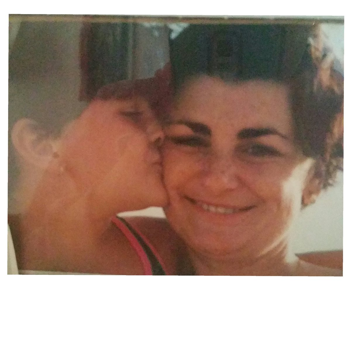 Mi mama bella ♡ https://t.co/1flgyMBZmw
