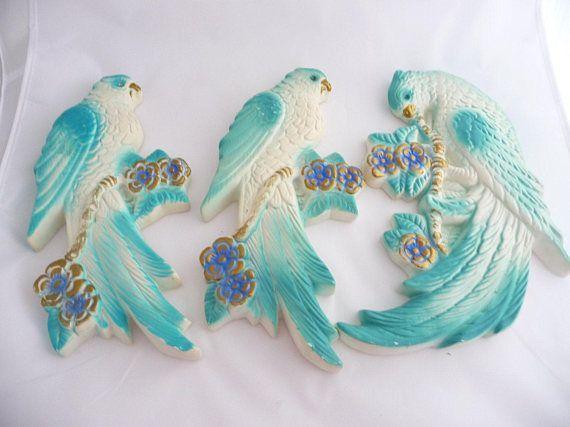 Retro  Chalkware Parrots  Aqua and White With Rhinestone Eyes  https:// buff.ly/2mgPuca  &nbsp;   via @Etsy #parrots #blueparrots #wallart #chalkware #bluebirds #saltofmotherearth #etsyseller #retro #funkybirds<br>http://pic.twitter.com/FtOW2qBvk2