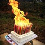 霧吹きを使わないと吹き消せない誕生日ケーキ爆誕450本のロウソクで燃え盛る狂気への愛! 伊達政宗公生…