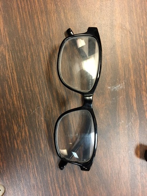 Glasses found at Queens Park Arena on Sat. during the #BNWRIceBreaker #Ringette Tournament. Please come to the Lakeview Room in Bill Copeland Sports Centre to claim.pic.twitter.com/L9pWau3Ayc