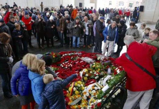 Belgians forever grateful for freedom via @SunDoucette: https://t.co/NlGKswoYKW https://t.co/32tmZRQh2B