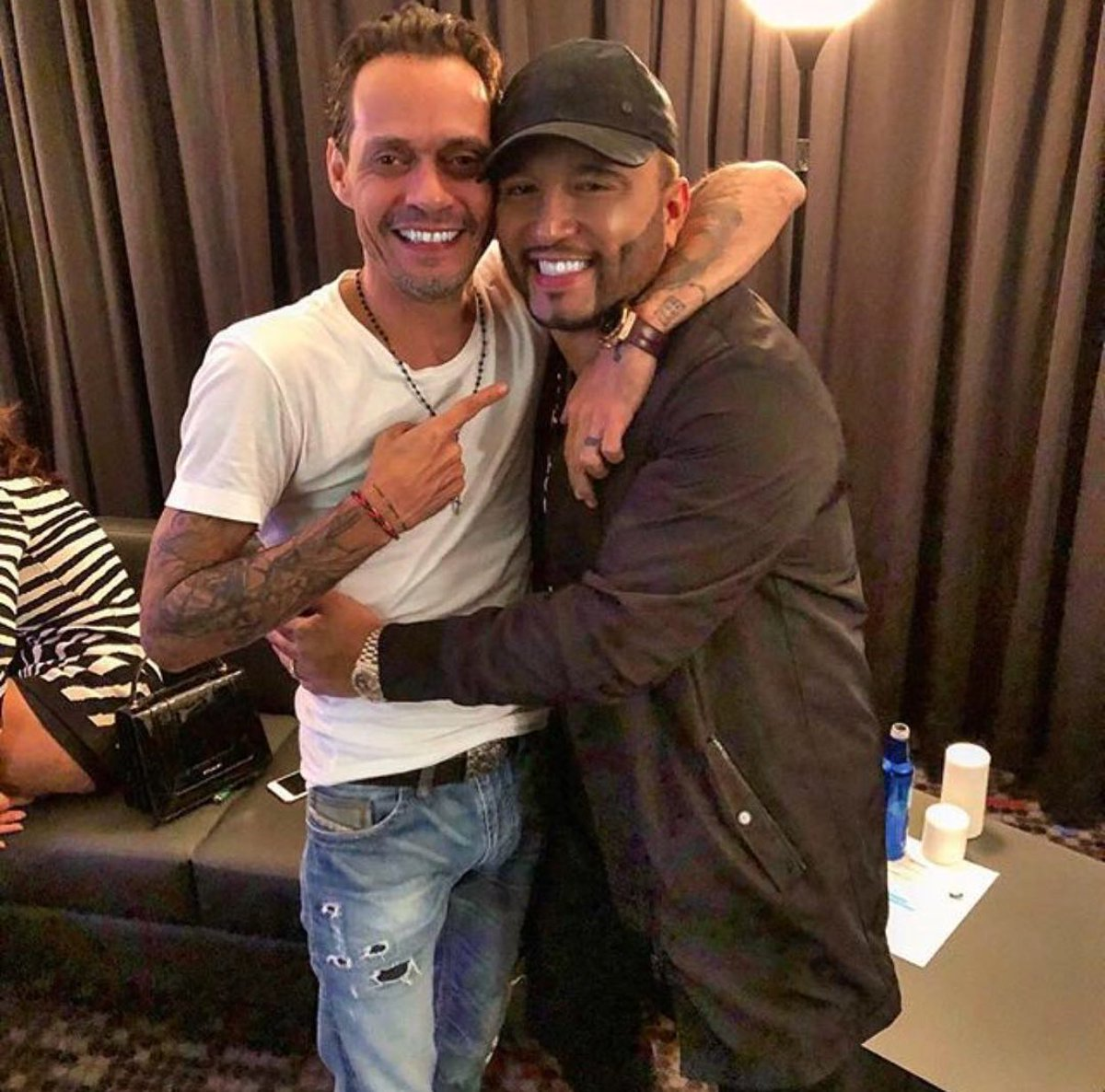 #Repost @AlexSensation  ・・・ Love being part of your tour my brother @marcanthony thanks for the opportunity @magnusmedia mañana para Orlando<br>http://pic.twitter.com/Al6XU3jzPs