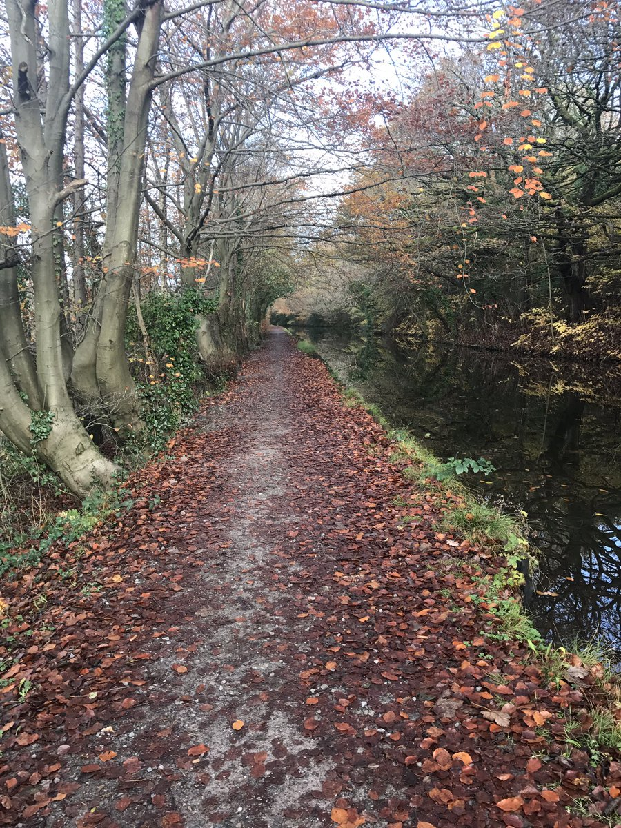 PCSO Jones is foot patrolling the picturesque canal path between Neath and Aberdulais, lets keep it that way and use the dog waste bin provided, all dog walkers spoken to had waste bags  @NPTWasteCrime #noexcuse #aj <br>http://pic.twitter.com/qCX9TiRCvC