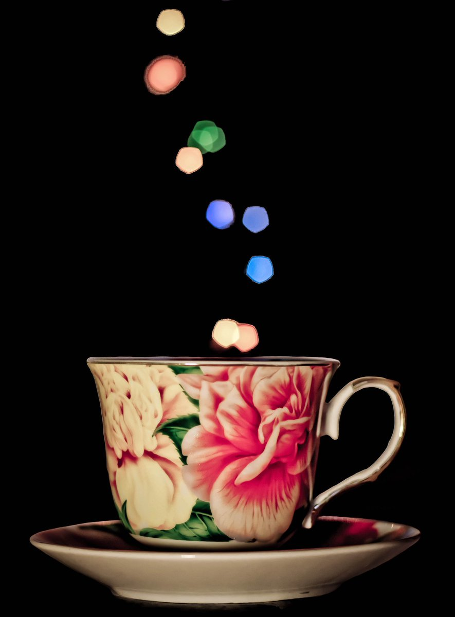 @kevlartheone363  Pouring #brightlights into your Sunday morning cup!  <br>http://pic.twitter.com/PeJ03nTYu0