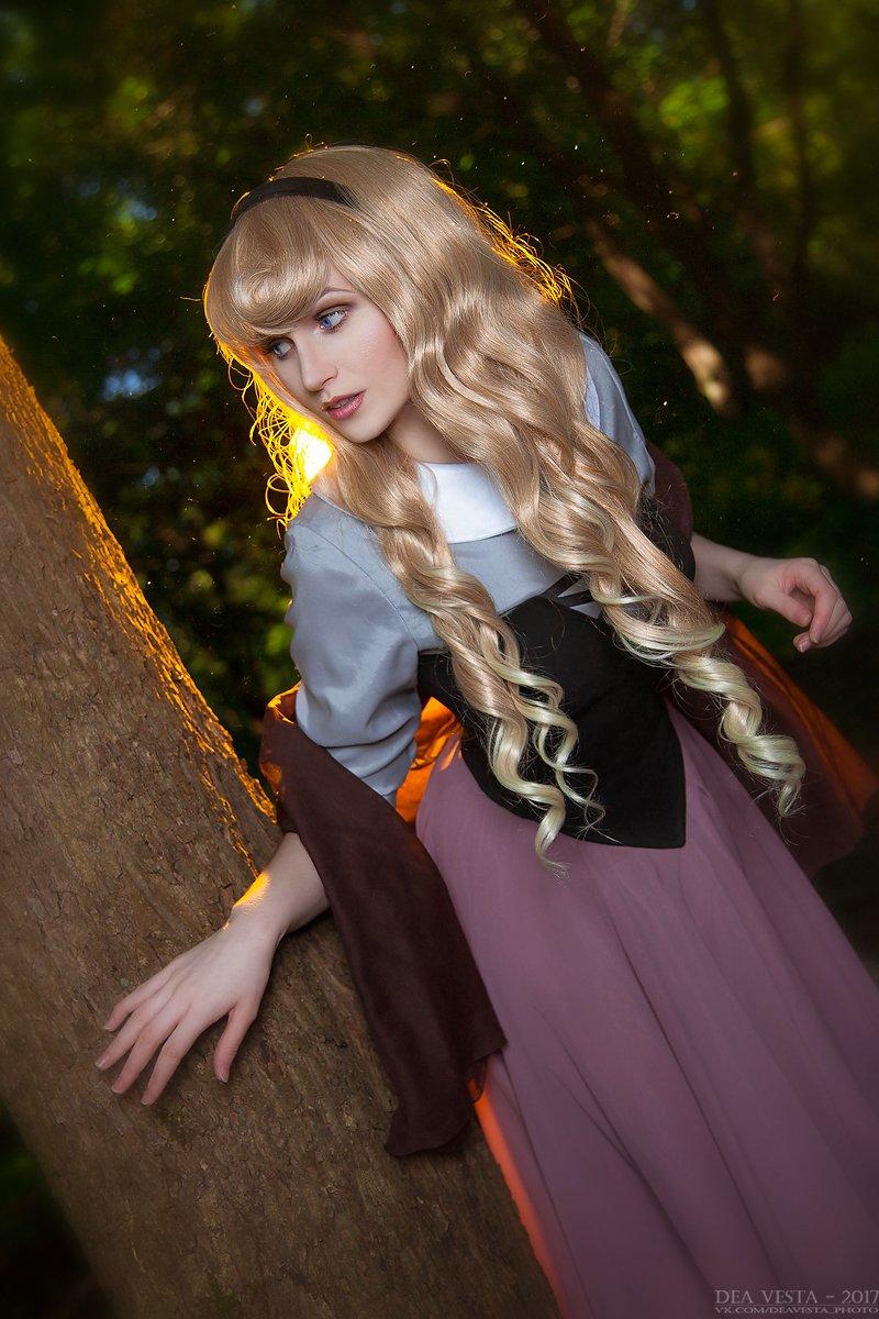 Photographer &amp; Makeup - Dea Vesta.  #Disney #cosplay #SleepingBeauty #princess<br>http://pic.twitter.com/bsO3RVf6Yi