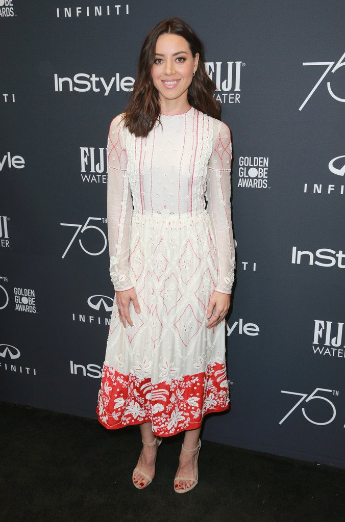 Aubrey Plaza wore a #Valentino Resort 2018 dress to the HFPA and Instyle Celebration of the 2018 Golden Globe Awards. https://t.co/z3vDkcztOe