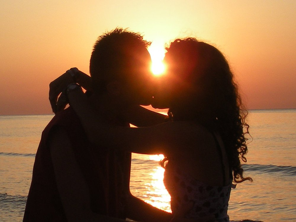 Okay. I take you to the sea  and I wanna talk about our romance until sunset...  I&#39;m so glad you like that song You know, sometimes great band  don&#39;t need make-up to play awesome music  and #foryou again...  https://www. youtube.com/watch?v=447yaU _4DF8 &nbsp; …    #romance #moment<br>http://pic.twitter.com/HmJQin2y4Z