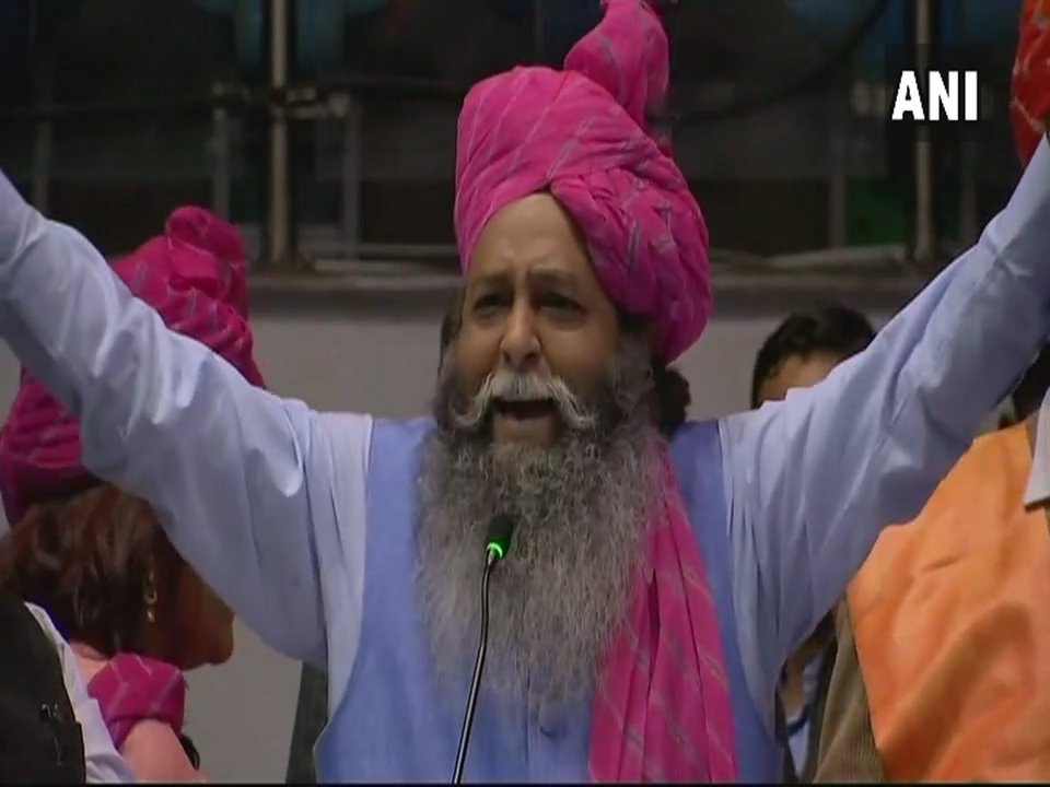 Want to congratulate Meerut youth for announcing Rs 5 crore bounty for beheading Deepika, Bhansali. We will reward the ones beheading them, with Rs 10 crore, and also take care of their family's needs: Suraj Pal Amu, Haryana's BJP Chief Media Coordinator
